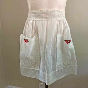 VINTAGE cream eyelet patch half apron